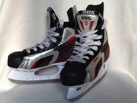 BOYS ICE SKATES - size 3 (35)