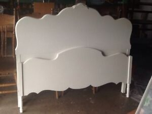 Antique walnut double bed with wooden side rails