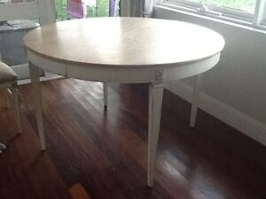 Dining Table and Chairs (2 Carvers) Lilli Pilli Sutherland Area Preview