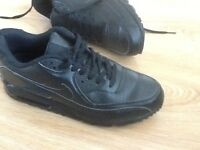 Nike black trainers size 8,5 new