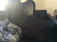 Mama and papas sola carrycot and rain cover