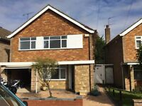 AVAILABLE NOW- BEAUTIFUL 4 BEDROOM HOUSE ON ROSSLYN CRESENT, LU3 2AU