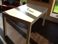 IKEA Bjursta White extendable dining table £95