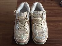Ladies Graceland trainers size 6/39
