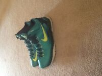 Basketball shoes, KD 5'S, Size 7Y