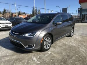 Chrysler Pacifica Hybride Limited 2RM