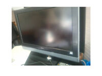 HITACHI 32 INCH TV HDMI 2 HDMI SOCKETS 2 SCART SOCKETS AND MORE COMPLETE WITH REMOTE VIEWING WELCOME