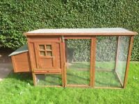 Large outdoor hutch 70cm deep, 100cm tall by 160cm wide but with box on side takes width to 192cm