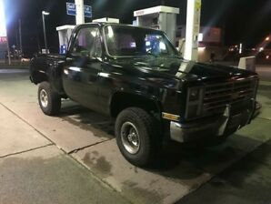 1986 CHEV SILVERADO STEP SIDE! 4X4!