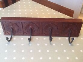 Coat rack with 4 hooks - handcrafted in very good condition