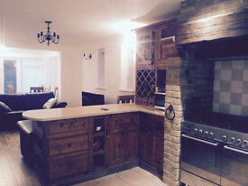 En-suite double room to rent, high ceiling, large house with garden, only 3 people to share kicthen