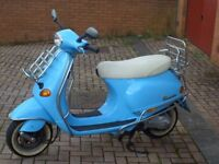 Vespa ET4 125. Scooter