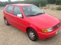VW POLO 1.0 (LEFT HAND DRIVE) 5 DOOR MANUAL PETROL HATCHBACK IN RED 1999 WITH 104K AND 6 MONTHS MOT