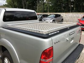 TOYOTA HILUX REAR MOUNTAIN TOP ***AS NEW CONDITION***