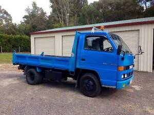 R. J. Bain Contracting & Mini Tipper Hire Peregian Beach Noosa Area Preview