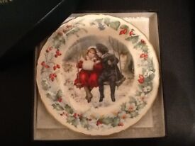 Victoria and Albert museum Christmas plate.