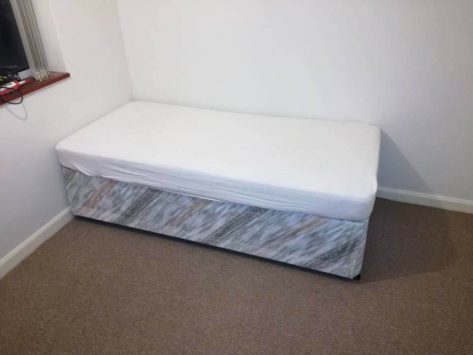 Single divan bed with trundle bed in littleport for Divan trundle bed