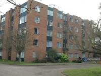 3 bedroom flat in Amhurst Court, Cambridge, CB3 (3 bed)