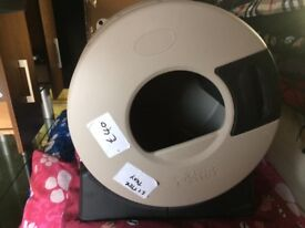 Cat litter spinner tray , saves money and mess LOOK