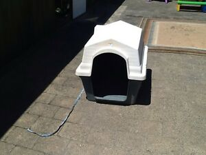 Medium-large size dog kennel Noble Park Greater Dandenong Preview