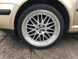 VW GOLF ALLOYS 18 WITH TYRES FOR SALE SOME SCRATCHE SEE THE PICTURES