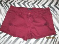 BURGANDY SHORTS FOREVER 21 SIZE16/18 IN GREAT CONDITION HOLIDAY / CLUBBING