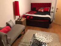 LOVELY ROOM ENSUITE IN A 2 BEDROOM MODERN FLAT FROM 1 JULY TO 31 AUGUST