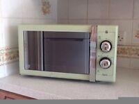 Green Swan Retro Microwave