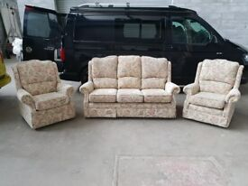 Traditional Cottage style 3 seater sofa and armchairs