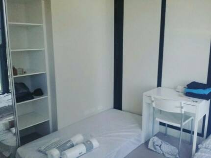 [City Center] Offer Share room for 2People at 568 Collins St~!