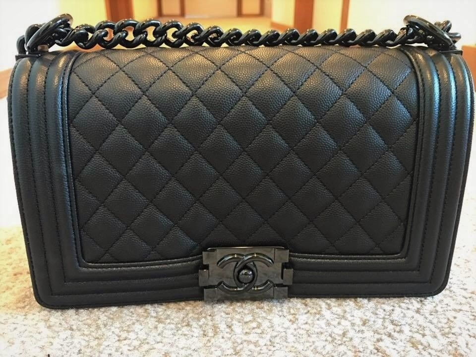 Chanel medium caviar so black boy bag. Irvine ... b41fe3218ff58