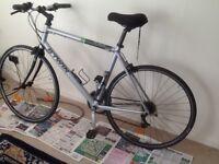 B'twin Flat Bar Bike