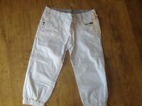 NEW PAIR WOMANS NEXT PETITE SIZE 10 CROP JEANS, OFF-WHITE COLOUR. STILL WITH TAG ON