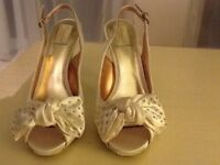 Cream satin heels size 6.5 UK unworn