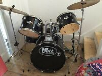 Perfect condition Paiste and Zildjian cymbals and older drum kit