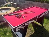 Spots v stripes pool table