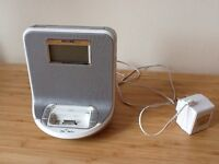 iPhone 4 docking station with radio and alarm