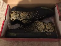 Marc Ecko Ladies Trainers Size 6 Brand New Boxed