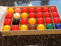 Box of each Snooker balls and Pool balls