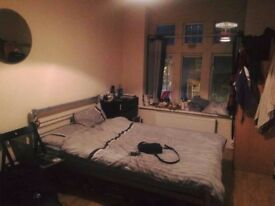Double room available in North Finchley
