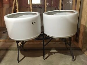 Porcelain wash basins
