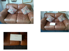 TAN HYDE LEATHER 2 SEATER SOFA ULTIMATE COMFORT AND MODERN REALLY GOOD QUALITY LEATHER