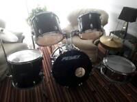 Peavey full drum kit