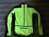 """MENS SMALL 34-36"""" WINTER CYCLING JACKET , WATER & WIND RESISTANT FABRIC . NEW STILL WITH TAG ON."""