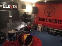 Medium sized rehearsal / production room for band to hire monthly N4