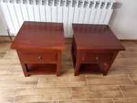 CAN DELIVER - PAIR OF MAHOGANY BEDSIDE CABINETS IN VERY GOOD CONDITION