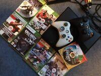 Xbox 360 Slim 250gb Bundle + 2 Controllers.