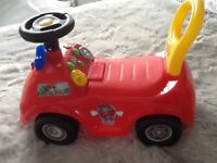 Paw Patrol Marshall Site and Ride Fire Truck