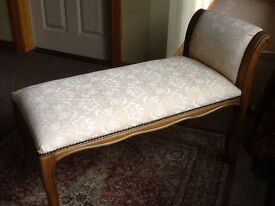 Lovely Wee Chaise Longue, in excellent cond