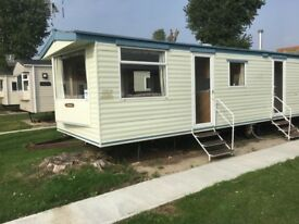 Amazing starter caravan / holiday home for sale. No pitch fees until 2019! Clacton - Essex